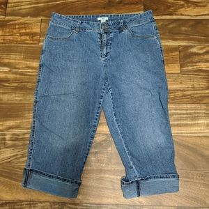 3for$20  Size 12 blue dropped jeans cato